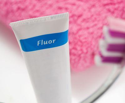 Znalezione obrazy dla zapytania Czy potrzebujemy pasty do zębów z fluorem?