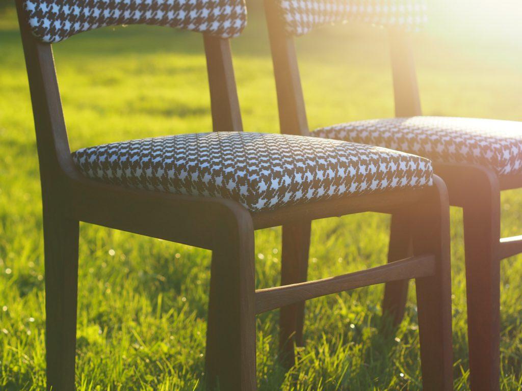 Obicia krzeseł