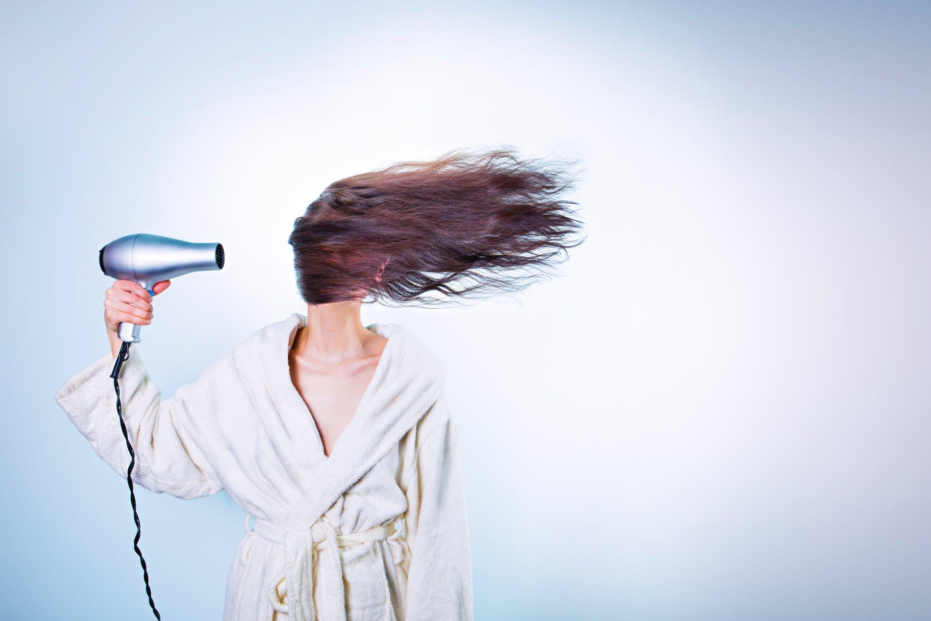 wypadanie włosów u kobiet