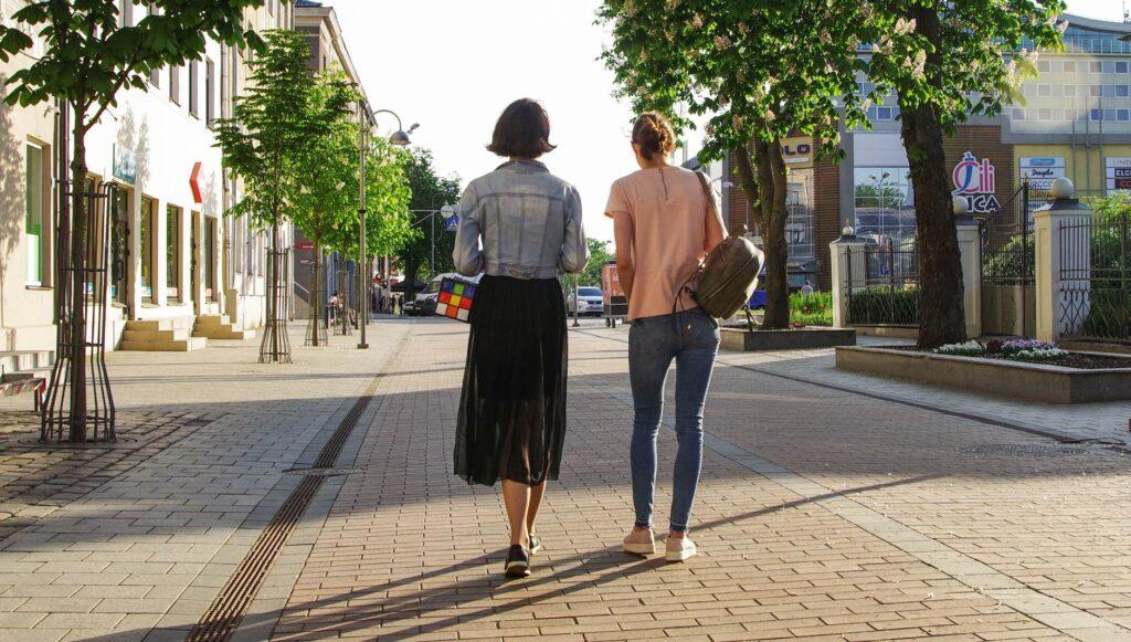 spacer po mieście